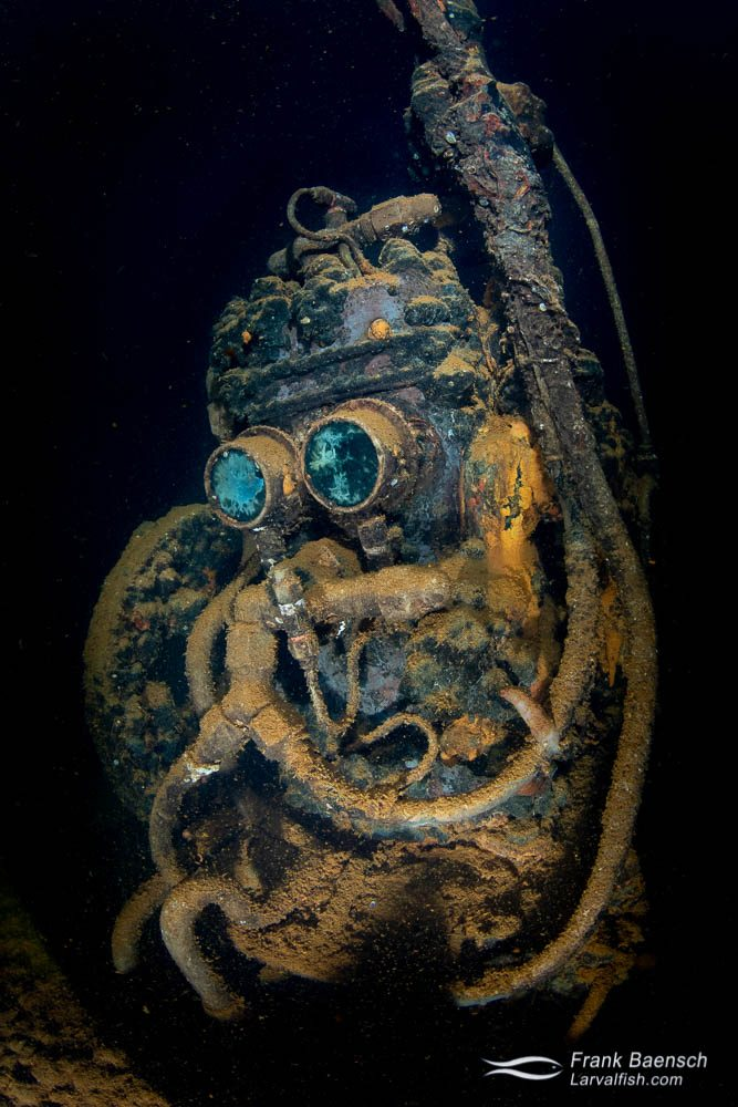 The air compressor warmly named R2D2 - a famous artifact in the machine shop of the Fujikawa Maru.